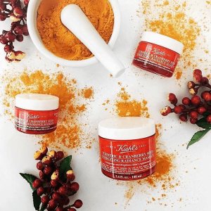 Mặt nạ nghệ việt quất Kiehl's Tumeric & Cranberry Seed Energizing Radiance Masque