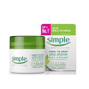 Kem dưỡng da Simple Kind To Skin Vital Vitamin Day Cream SPF 15 PA+++ 50ml